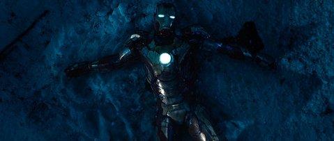 Iron-Man-3-Iron-Suit-Broken