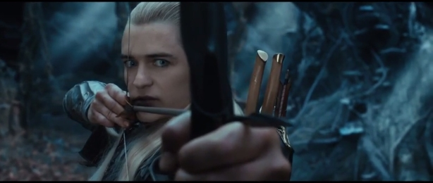 the-hobbit-the-desolation-of-smaug-Legolas-with-Eyeliner