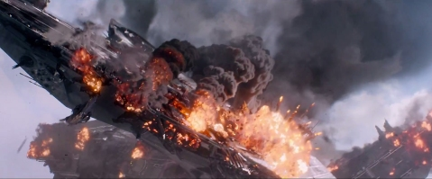Captain-America-The-Winter-Soldier-helicarrier-crashing