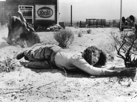 still-of-finn-carter-in-tremors-(1990)-large-picture